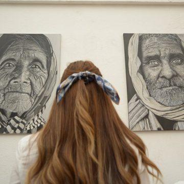 A través del arte rinde tributo a la mujer