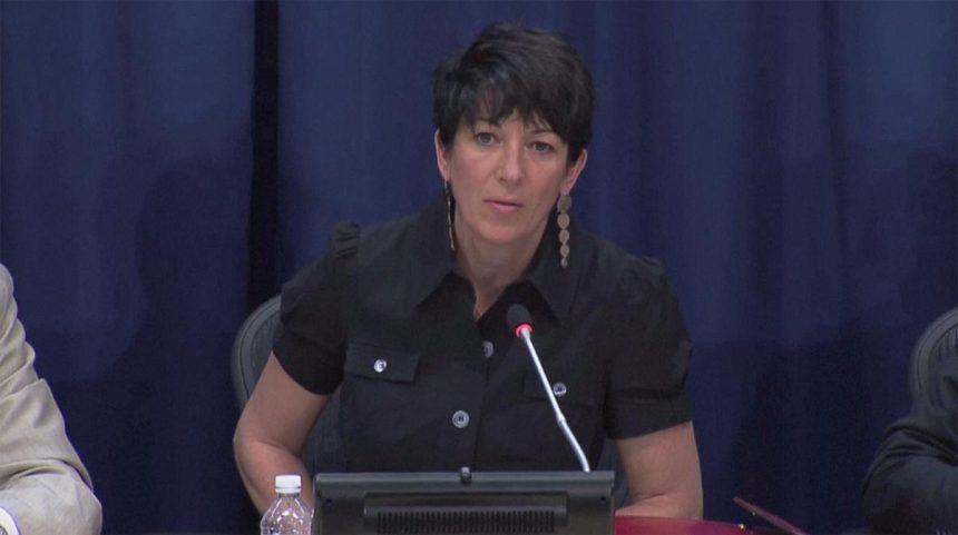 Ghislaine Maxwell, detenida en EEUU y acusada de conseguir menores para abusos sexuales de Epstein