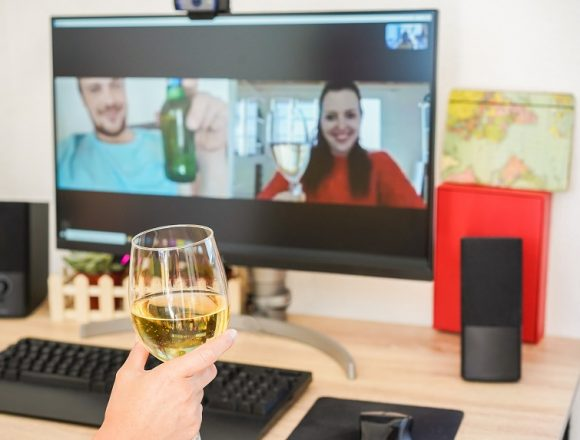 Tia Maria Sue: dos and don'ts of meeting and socializing on Zoom