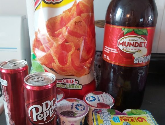 "Oaxaca becomes the first state to ban ""unhealthy"" food to minors"