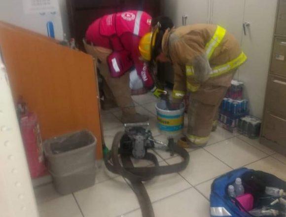 Man pressed in a forklift was demure in the Guadalajara Pharmacy