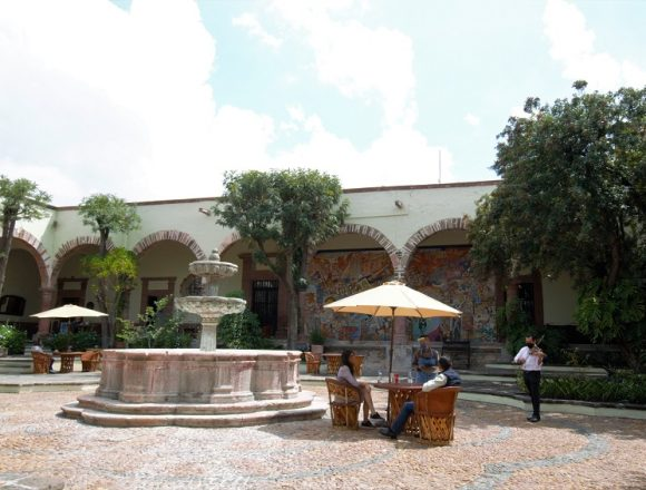 Instituto Allende Adds Romance to its Courtyard
