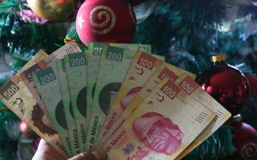 """The Christmas Bonus in Mexico """"El Aguinaldo"""""""