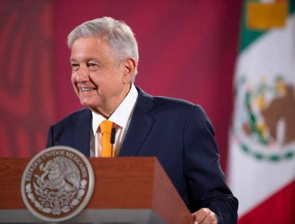 AMLO Authorizes Vaccine Purchases by Private Sector