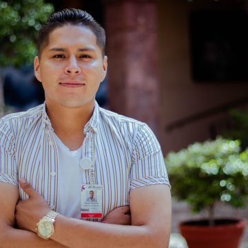 The Perfect Day of Hector Ramírez, Library Tours Manager