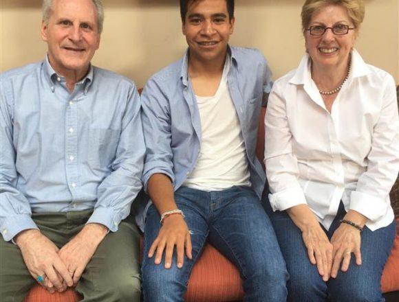 Jóvenes Adelante's Creative Financial Sponsorships Make Dreams a Reality