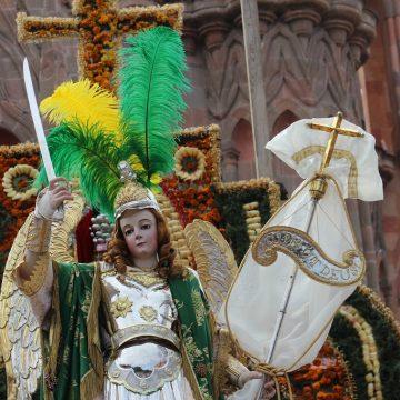 Pasearán al Arcángel San Miguel
