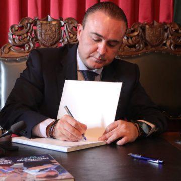 Luis Alberto Villarreal presentó su tercer reporte de administración